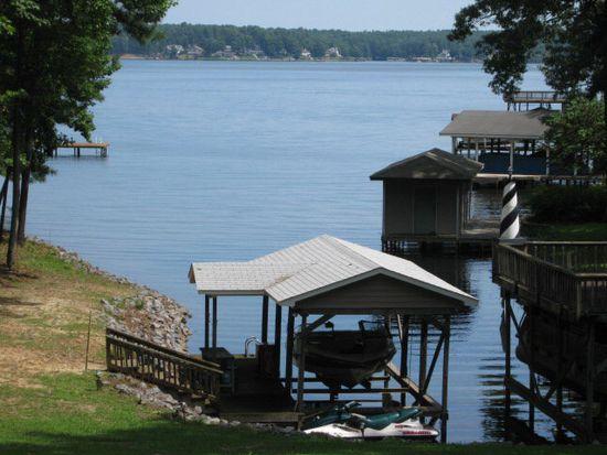 409 Lakeside Dr, Littleton, NC 27850
