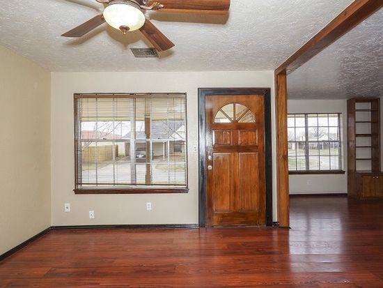 304 S Markwell Ave, Moore, OK 73160