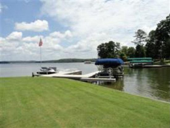 158 Waters Edge Dr, Eatonton, GA 31024
