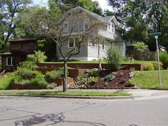 305 Goodview Ave, Akron, OH 44305