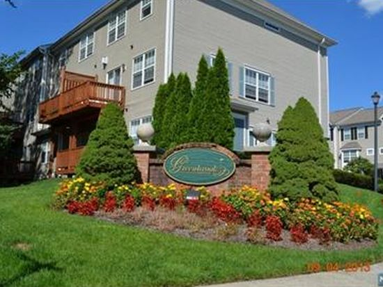 47 Greenbrook Dr, Bloomfield, NJ 07003