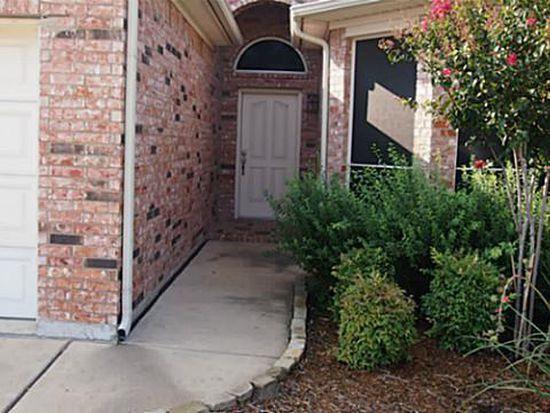 3828 Summersville Ln, Fort Worth, TX 76244