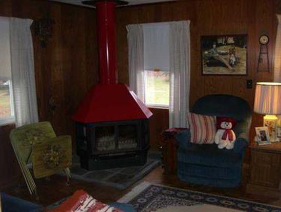 31 Smola Rd, Sandy Lake, PA 16145