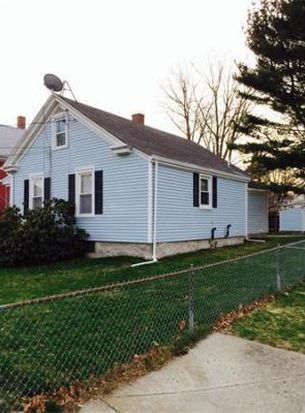 44 Charlotte St, Fall River, MA 02720