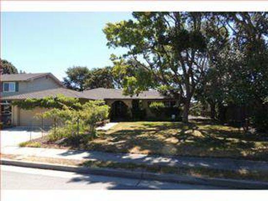3946 Winkle Ave, Santa Cruz, CA 95065
