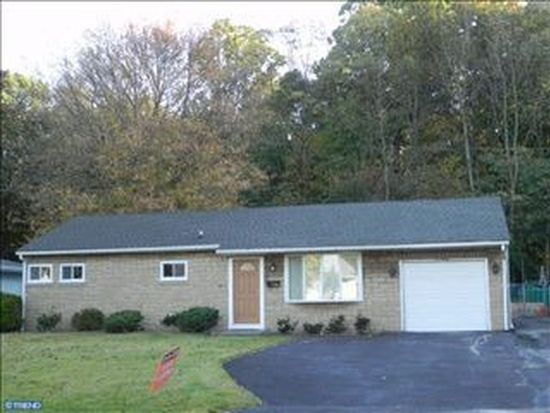 220 Stanwood Rd, Fairless Hills, PA 19030