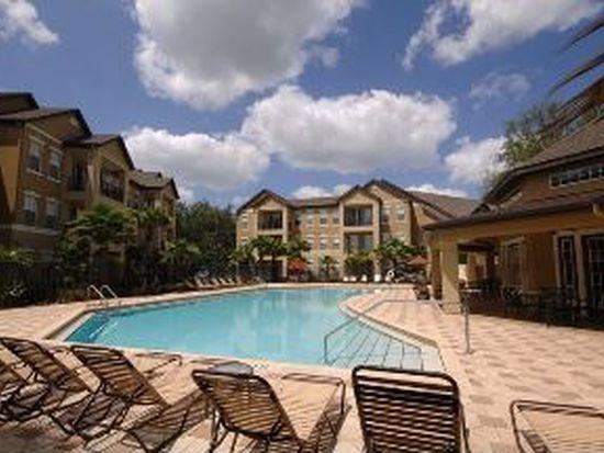 8425 Montravail Cir, Temple Terrace, FL 33637