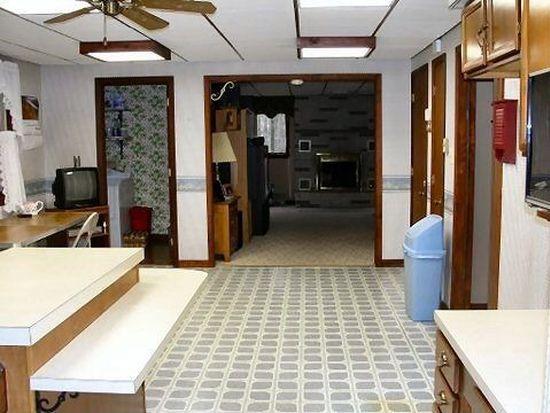8 Oak Rd, Schuylkill Haven, PA 17972
