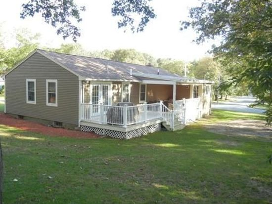12 Newhall Rd, Lynnfield, MA 01940