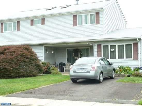 217 Stanford Rd, Fairless Hills, PA 19030