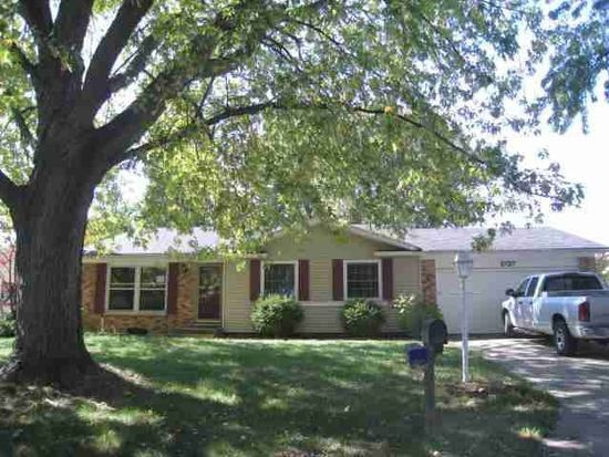 1737 Canterbury Dr, Elkhart, IN 46514