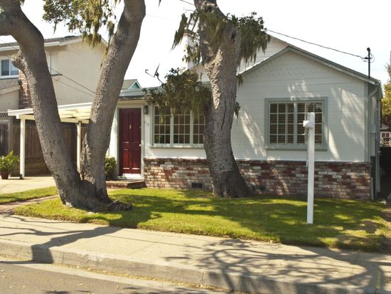 512 Willow St, Pacific Grove, CA 93950