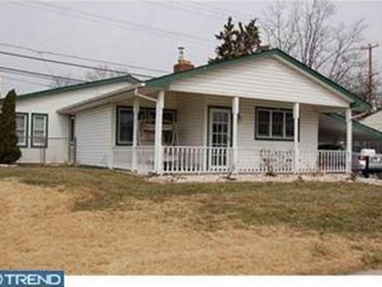 359 Stonybrook Dr, Levittown, PA 19055
