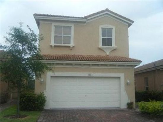 1013 NE 37th Pl, Homestead, FL 33033