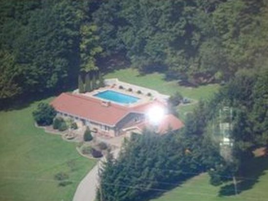 205 Fort Palmer Estate Rd, Ligonier, PA 15658