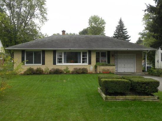 4307 Crestwood St, Mchenry, IL 60050