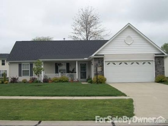 939 Beachfront Dr, Painesville, OH 44077