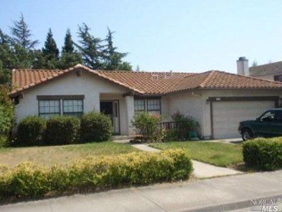 419 Oakwood Dr, Fairfield, CA 94534