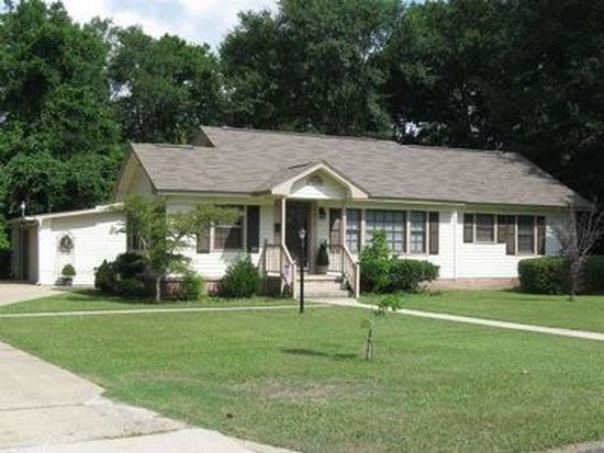 5013 Weems St, Moss Point, MS 39563