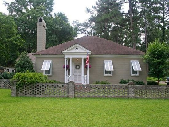 1302 Arden Dr, Thomasville, GA 31792