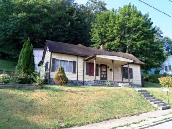 347 4th St, Bluefield, WV 24701