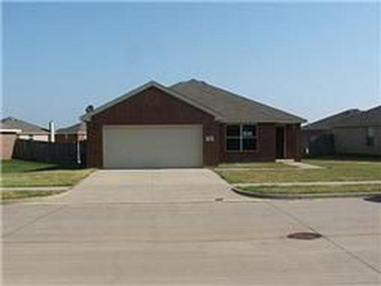 811 Dove Meadows Dr, Arlington, TX 76002