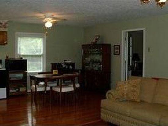 907 Greenwood Pl, Lenoir, NC 28645