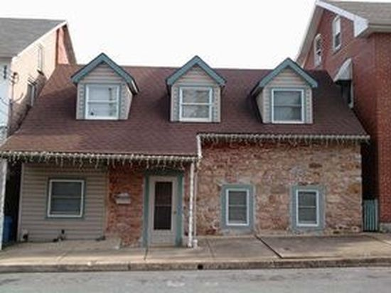 37 S Front St, Womelsdorf, PA 19567