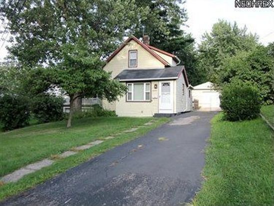 14447 Maple Ave, Maple Heights, OH 44137