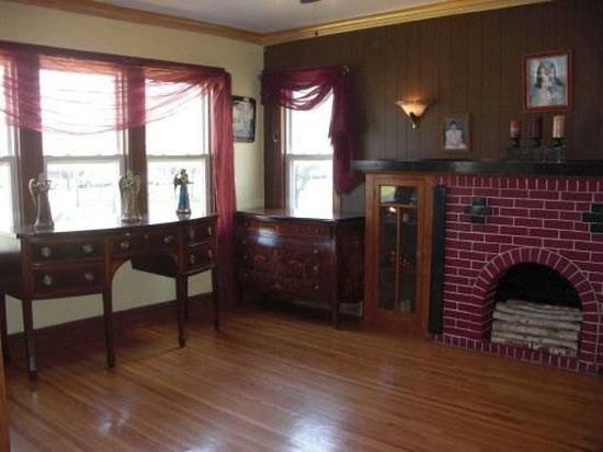 4649 W Wrightwood Ave, Chicago, IL 60639