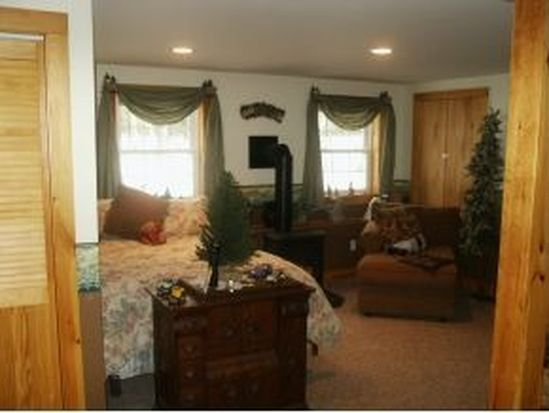 7 Shirley Way, Mirror Lake, NH 03853