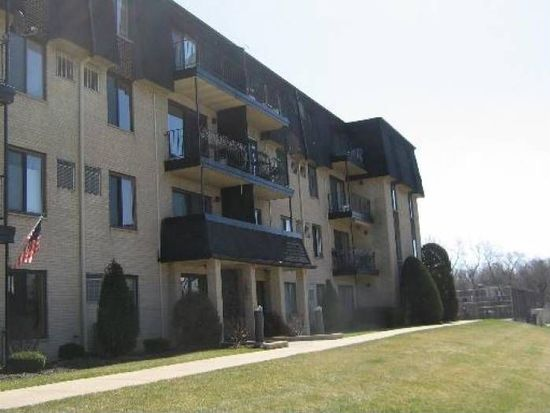 7301 Willow Springs Rd APT 311, Countryside, IL 60525