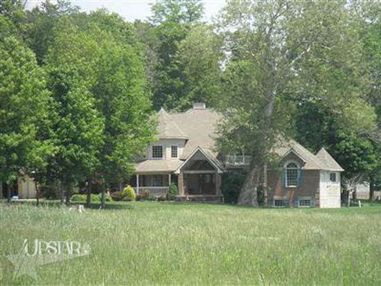 7715 N Clear Creek Rd, Huntington, IN 46750