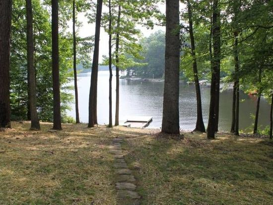256 Lake Caroline Dr, Ruther Glen, VA 22546