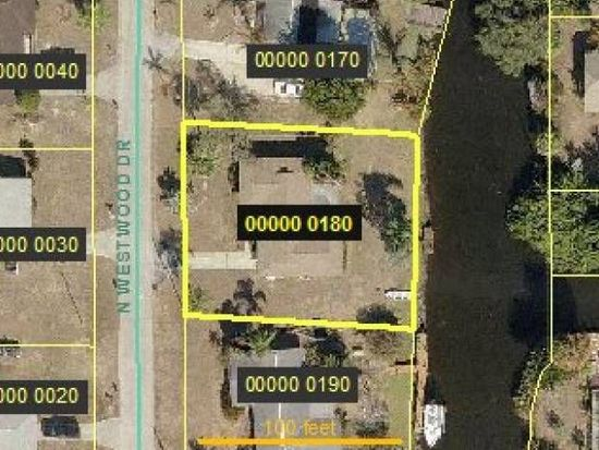 2422 N Westwood Dr, North Fort Myers, FL 33917