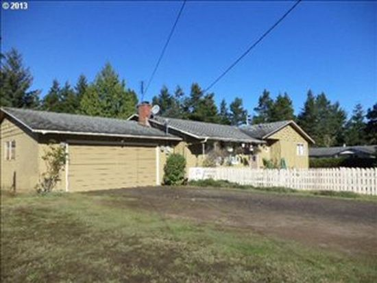 4379 Spruce St, Florence, OR 97439