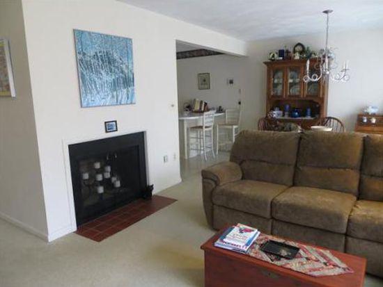 37 Country Club Rd UNIT 37, Peabody, MA 01960