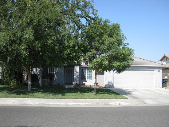 1421 Salisbury St, Porterville, CA 93257