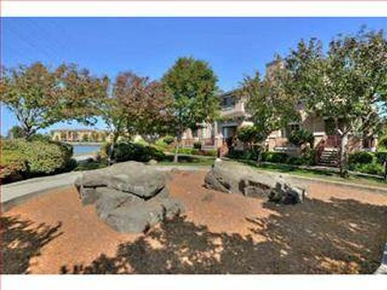 307 Louis Ln, Redwood City, CA 94063