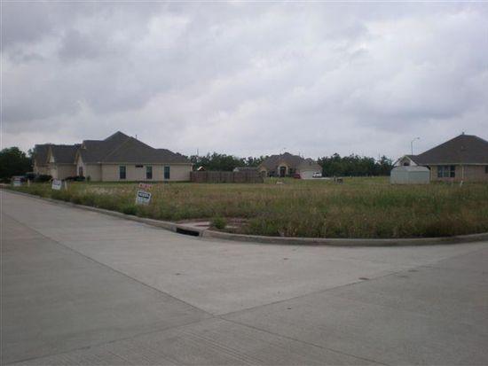 7300 Crown Meadows Dr, Port Arthur, TX 77642