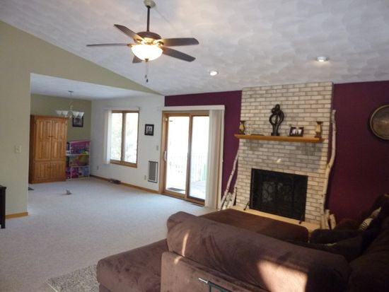 4616 Lindbloom Ln, Cherry Valley, IL 61016