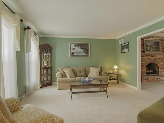 2008 Lakeview Ct, Naperville, IL 60565
