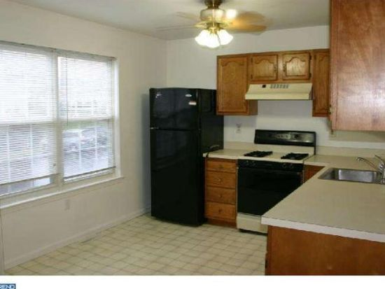 10-6 Cranberry Rdg, Reading, PA 19606