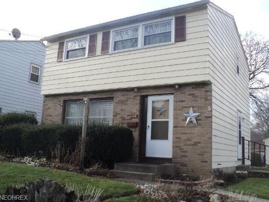 1146 Madrid Dr, Akron, OH 44313
