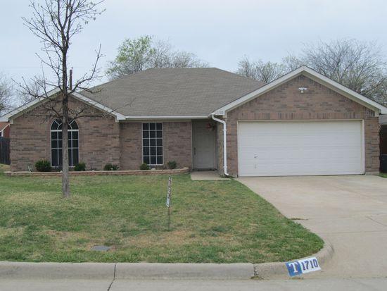 1710 Merritt Dr, Mansfield, TX 76063