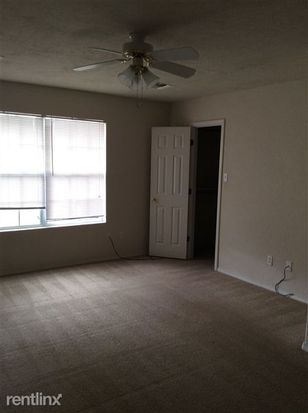 1214 NW Columbia Ave APT B, Lawton, OK 73507