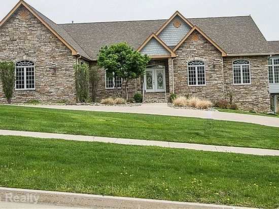 3665 Timberline Dr, West Des Moines, IA 50265