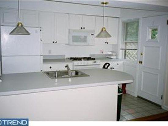 898 Martin Ave, Bryn Mawr, PA 19010