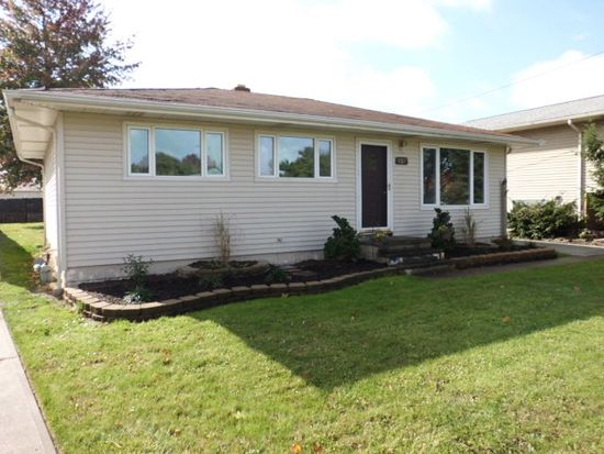 369 Skyview Rd, Cleveland, OH 44109