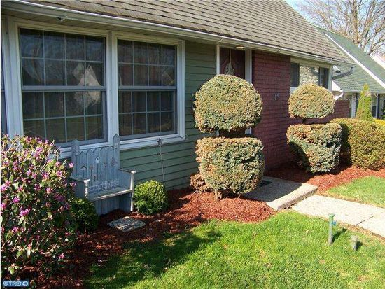 37 Middle Rd, Levittown, PA 19056
